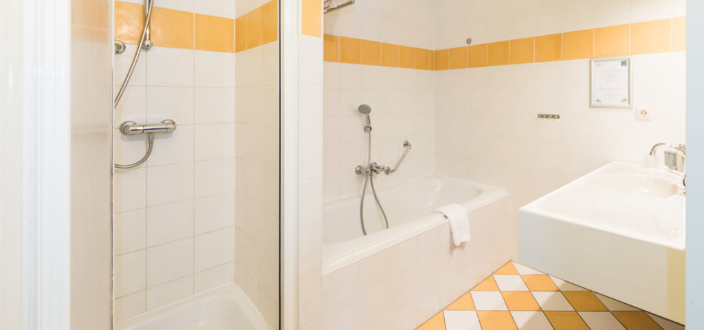 Badkamer in appartement ApartHotel Boschrijck op Terschelling - Westcord Hotels