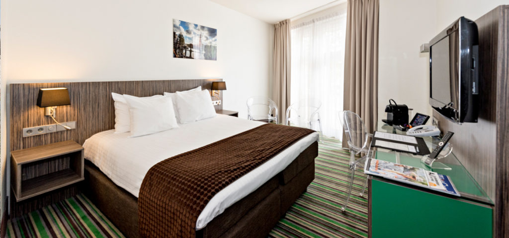 Cosy Twin/Double City View - City Centre Hotel Amsterdam - Westcord Hotels