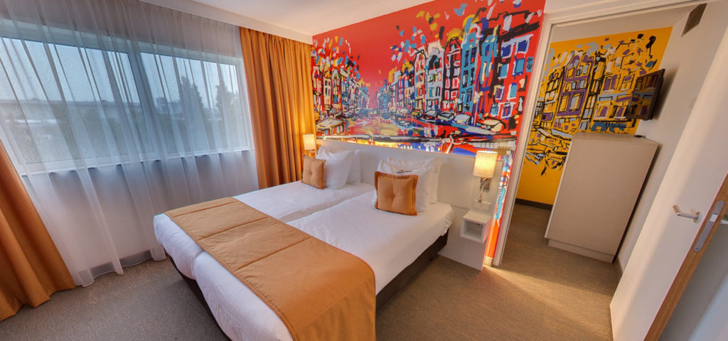 360º foto Quad Deluxe Room Art Hotel Amsterdam *** - Westcord Hotels