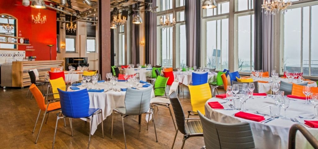 Balszaal in dineropstelling Hotel New York Rotterdam - Westcord Hotels