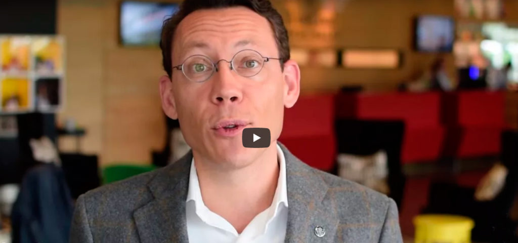 Video: 's Werelds eerste Somnox slaaprobot bij WestCord Hotel Delft - Westcord Hotels