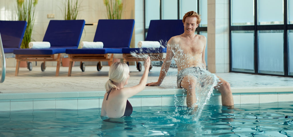 Hotel-Noordsee-Ameland-WestCord-zwembad-1 - Westcord Hotels
