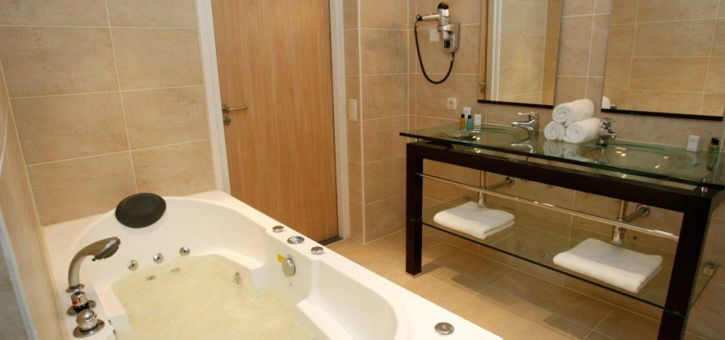 badkamer deluxe kamer zeezijde - Westcord Hotels