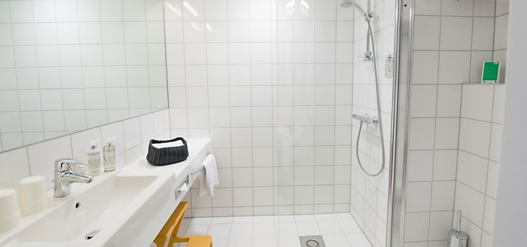 Badkamer_douche_WestCord_Hotel_Delft - Westcord Hotels