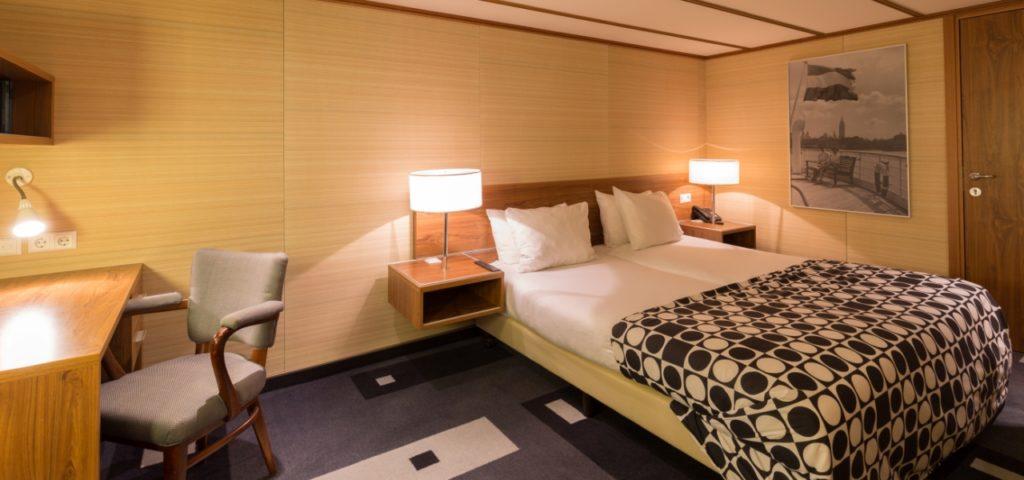 ss Rotterdam_ Manhattan Standard Double Room_1020_DEAN Productions_1280x600 - Westcord Hotels