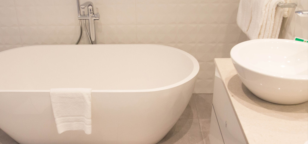 Ligbad badkamer in Art Hotel Amsterdam **** - Westcord Hotels