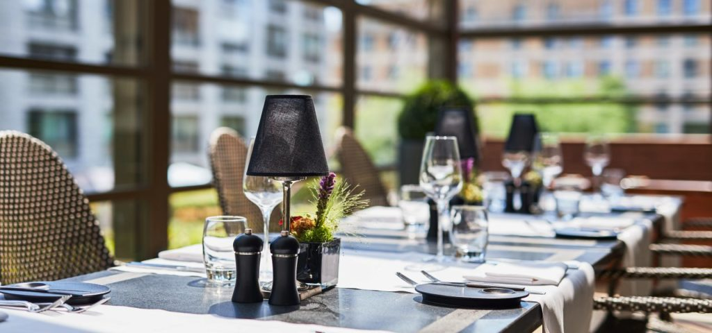 fashion-hotel-terrace-table3 - Westcord Hotels