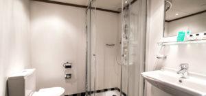 ssRotterdam_Badkamer overzicht_Roos van Leeuwen_1280x600 - Westcord Hotels