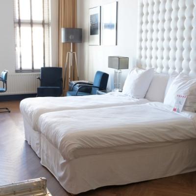 Hotel_New_York_Wilhelminapier