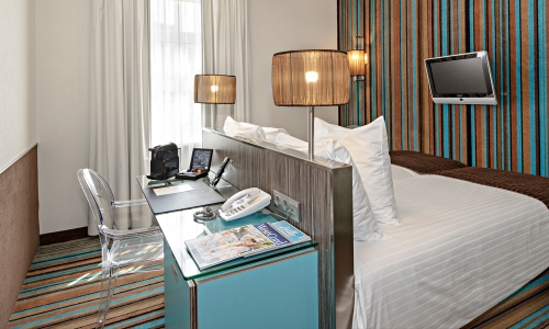 cosy-twin-room-city-centre-hotel-amsterdam