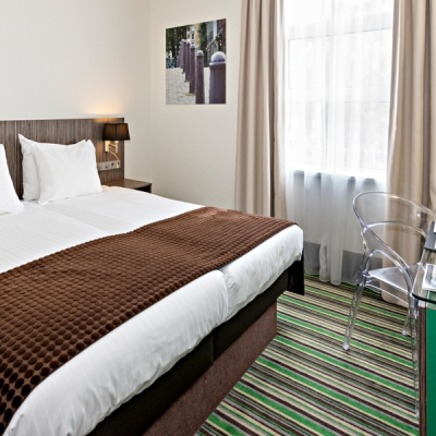cosy-twin-room-cityview-city-centre-hotel-amsterdam