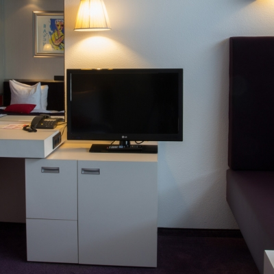 junior-suite-bureau-art4-hotel-amsterdam