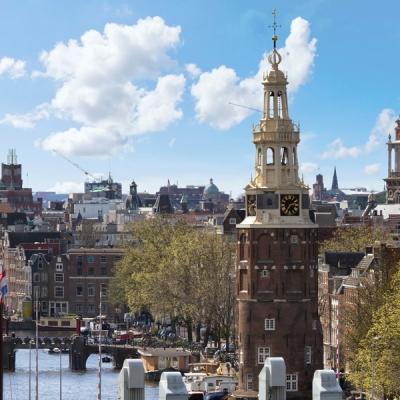 montelbaanstoren-zuiderkerk-hotels-amsterdam