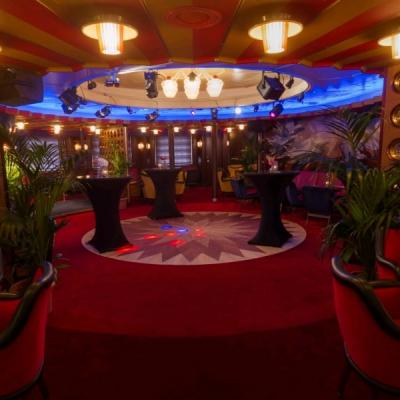 Bekijk de Ambassador Lounge in 360°