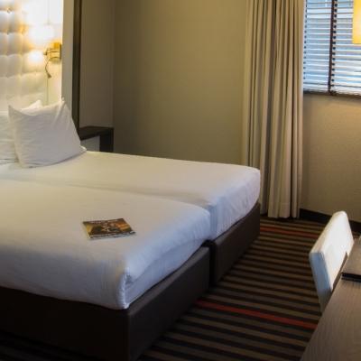 xl-triplekamer-art4-hotel-amsterdam