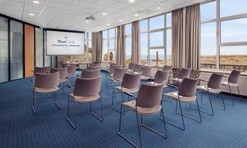 westcord-strandhotel-seeduyn-vergaderzaal-strandzaal-beamer